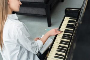 How Many Hours A Day Should I Practice Piano